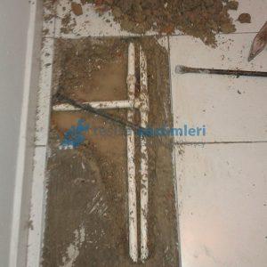 Koridorda Patlamış Kalorifer Borusu