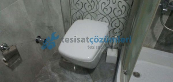 Klozetten kaynaklanan banyo kokusu