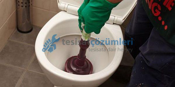pompa ile tıkalı tuvalet nasıl açılır
